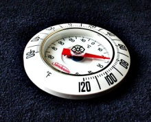 Thermometer (Photo Burningwell - Greg Goebel)