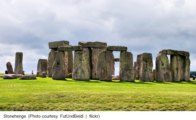 Stonehenge FutUndBeidl - flickr (680x385_Captioned
